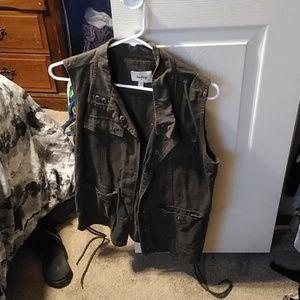 Daytrip vest. Size medium